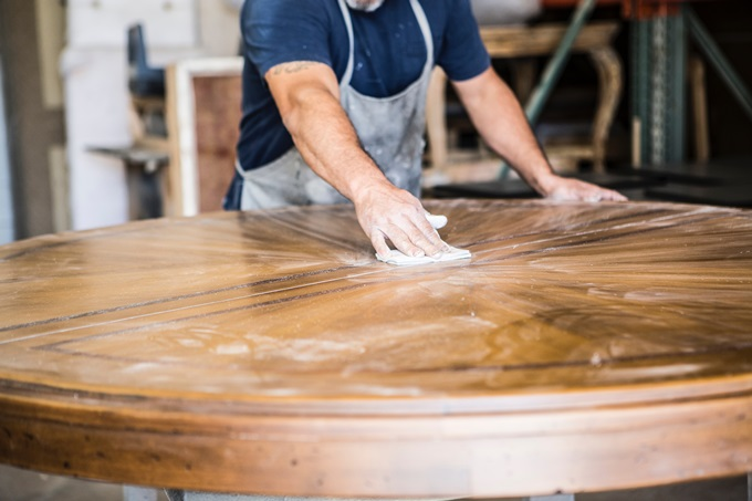 Renovating a wooden table step by step
